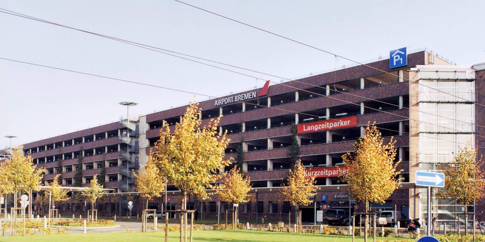 Parkhaus 1+2 am Bremer Flughafen