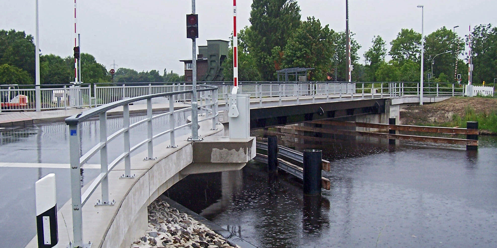Klappbrücke Ems-Jade-Kanal